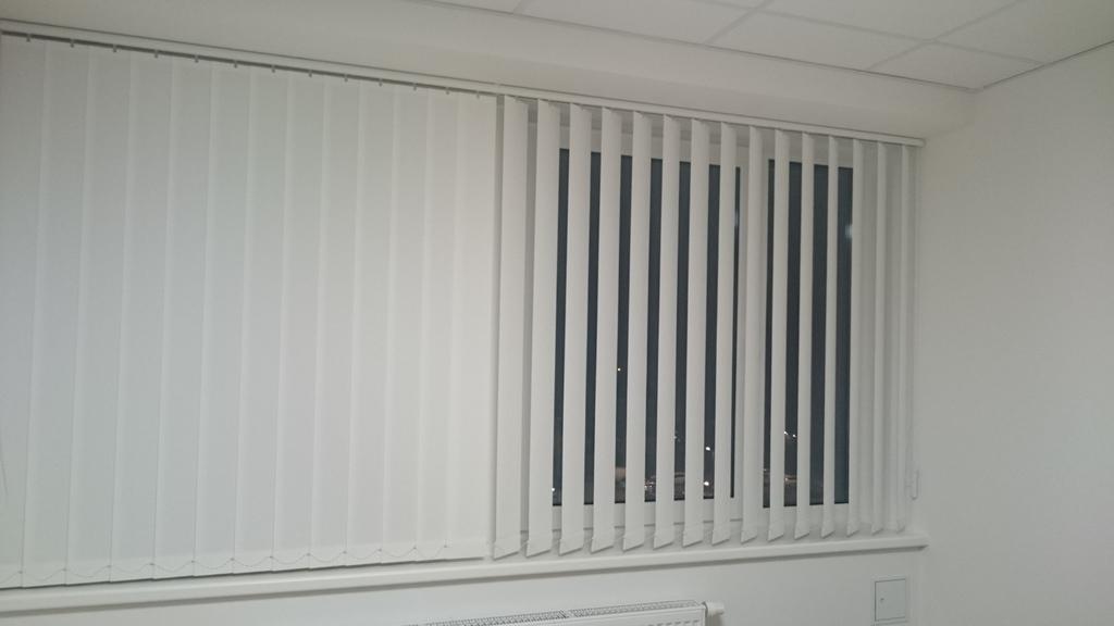 insektenschutz t r lamellenvorhang fliegengitter insekten vorhang pictures to pin on pinterest. Black Bedroom Furniture Sets. Home Design Ideas